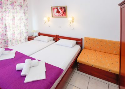 Single room studio in Thassos - two beds and a sofa bed