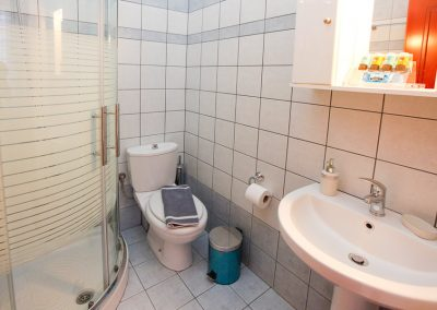 Bathroom space at single studio - Nereids thassos hotel