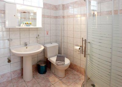 Superior's apartment bathroom